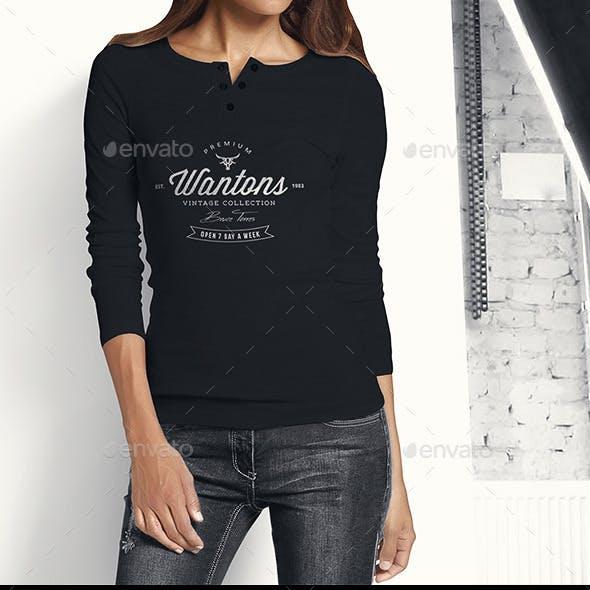 Woman Longsleeve Shirt Mock-up