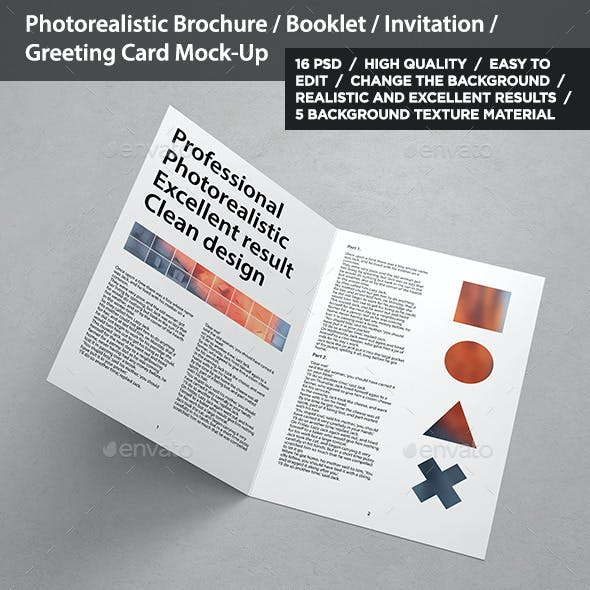 Brochure / Invitation / Greeting Card Mock-Up