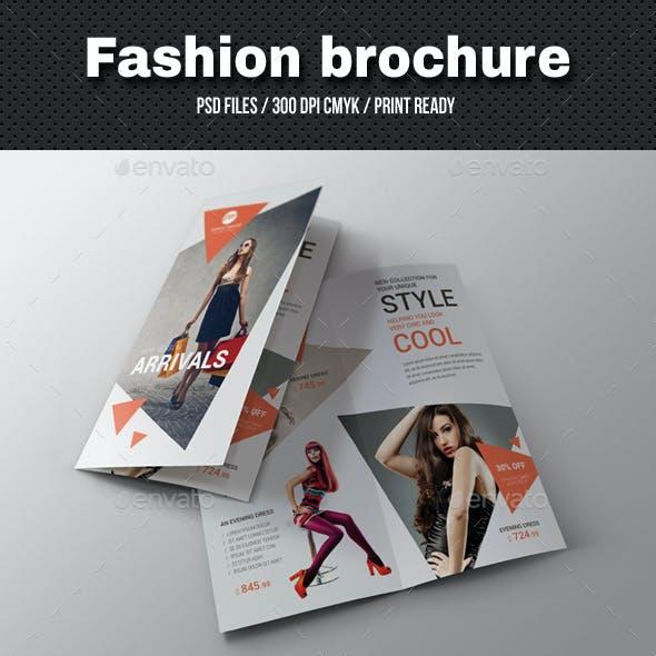 Fashion Bi-Fold Brochure 04