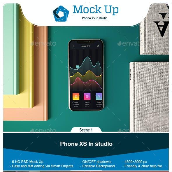 Phone XS in Studio