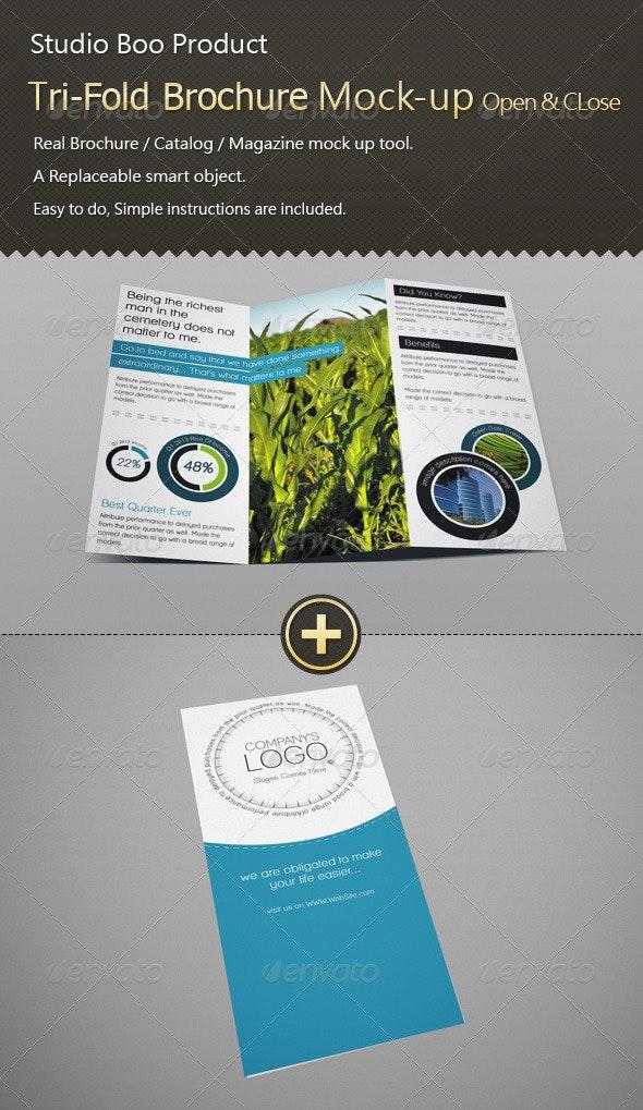 Tri-Fold Brochure / Catalog Mock-up Open & Close - Brochures Print