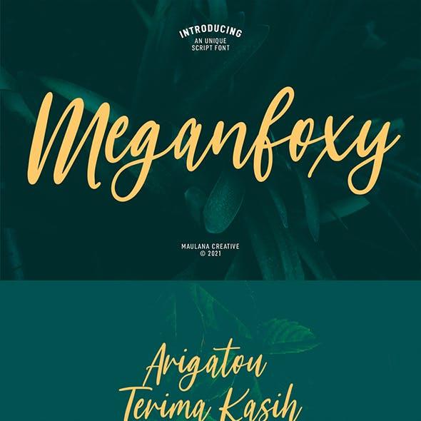 Meganfoxy Script Font
